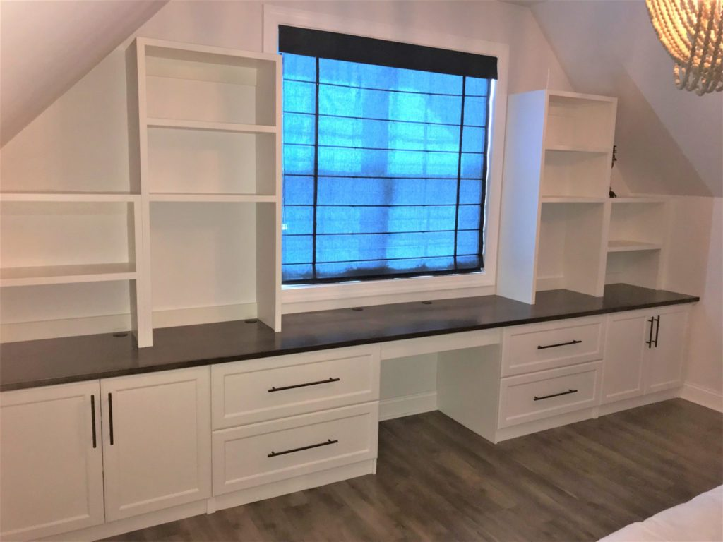 Closets & Things - Built-in Desk and Shelves