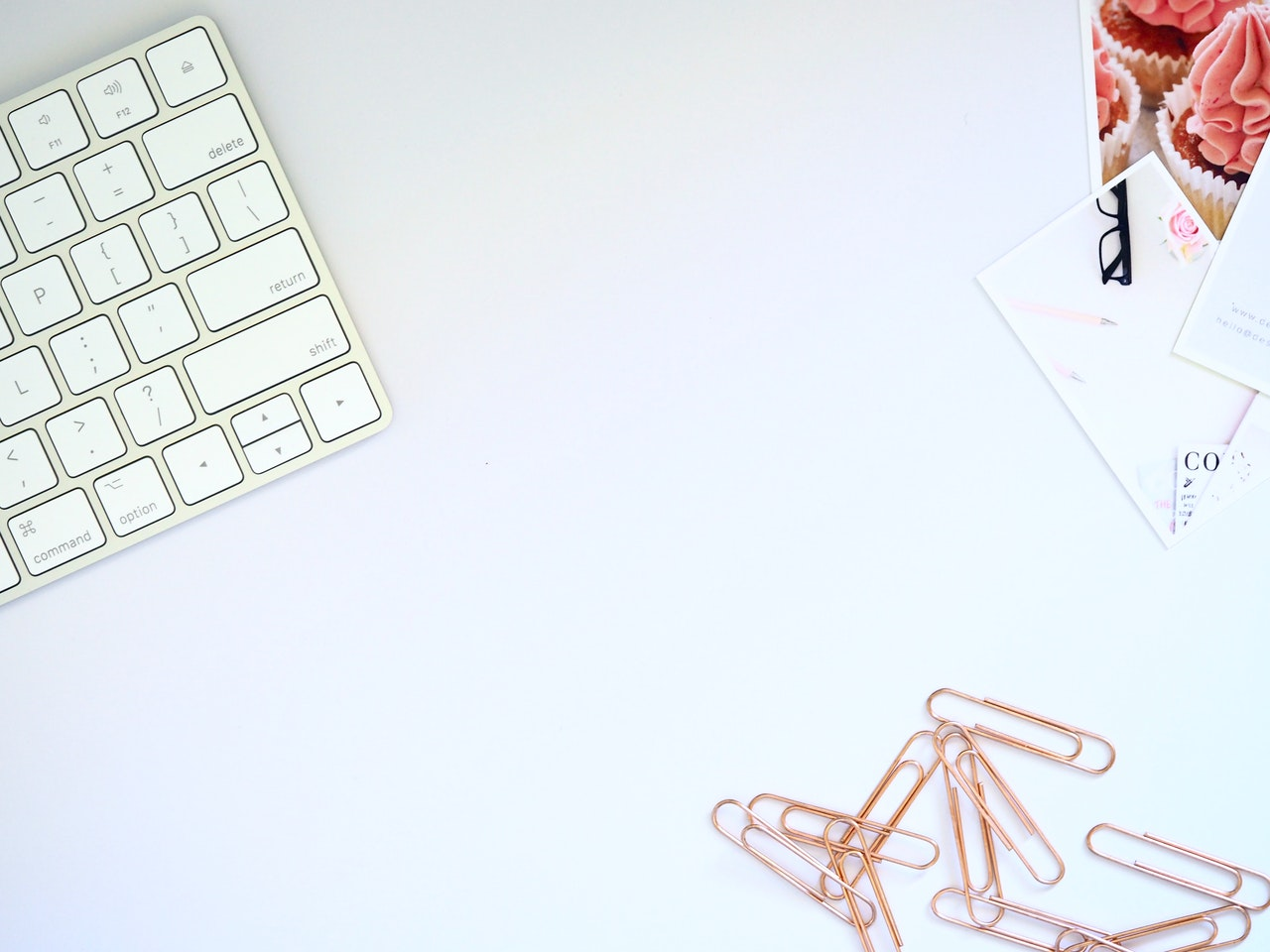 Desk Photo from Plush Design Studio from Pexels