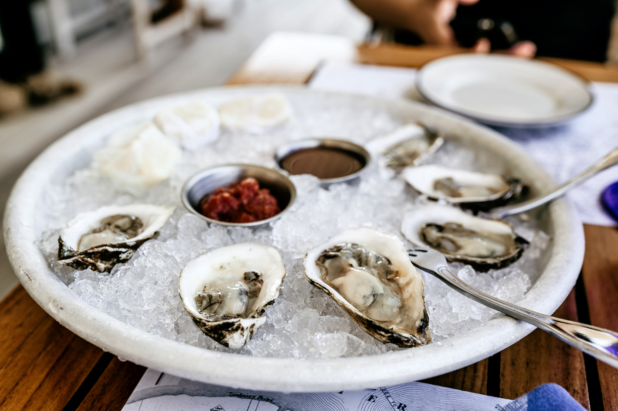 Oysters by Laura Peruchi via Unsplash