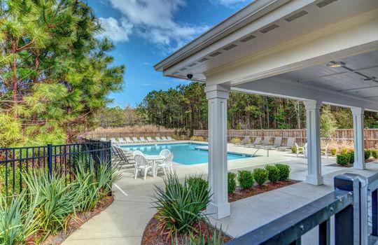 Majestic Oaks Swimming Pool