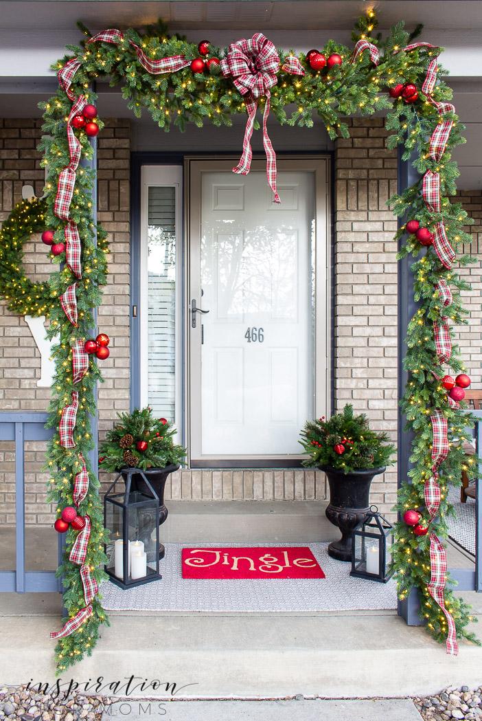 Denver Red Plaid Christmas Front Porch - Inspiration for Moms