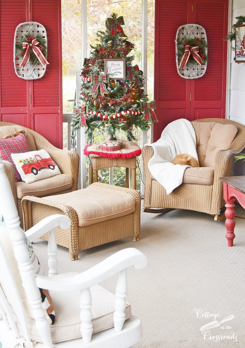 Udderly Festive Christmas Front Porch - Cottage at the Crossroads