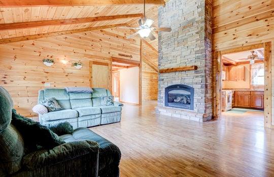 317 Kemper Rd Hampstead NC-large-010-005-Living Room-1497×1000-72dpi