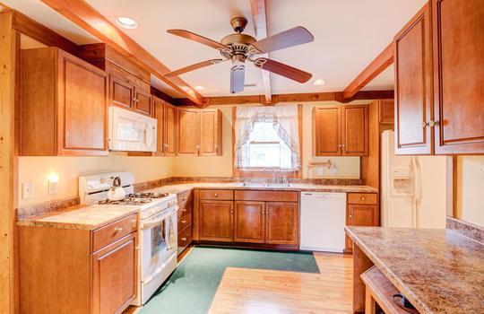 317 Kemper Rd Hampstead NC-large-011-013-Kitchen-1498×1000-72dpi