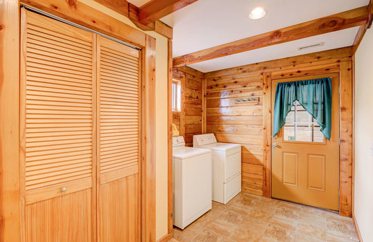 317 Kemper Rd Hampstead NC-large-014-010-Laundry Room-1498×1000-72dpi