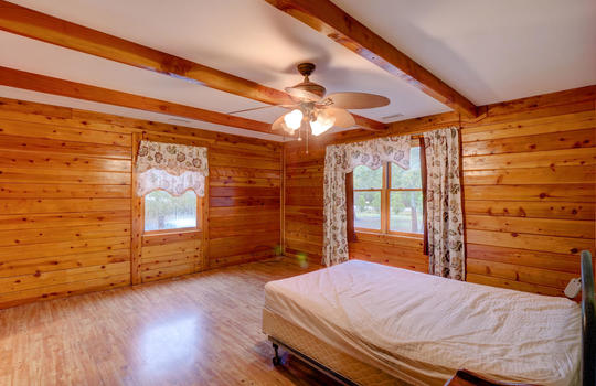 317 Kemper Rd Hampstead NC-large-017-031-Master Bedroom-1498×1000-72dpi