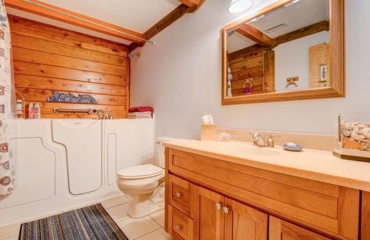 317 Kemper Rd Hampstead NC-large-018-018-Second Full Bathroom-1498×1000-72dpi