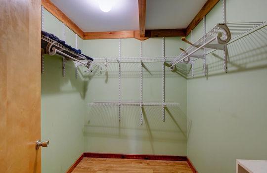 317 Kemper Rd Hampstead NC-large-019-032-Walkin Closet-1497×1000-72dpi
