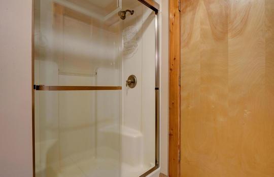 317 Kemper Rd Hampstead NC-large-021-035-Master Bathroom-1498×1000-72dpi