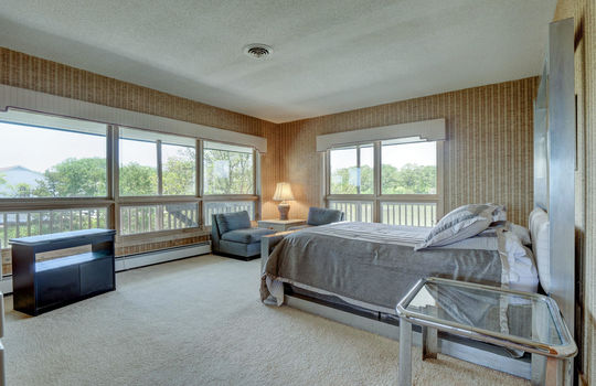 5550 Peden Point Rd Wilmington-large-017-022-Master Bedroom-1497×1000-72dpi
