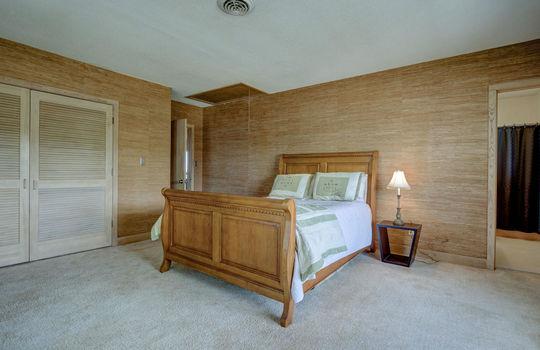 5550 Peden Point Rd Wilmington-large-023-041-Bedroom 2-1497×1000-72dpi