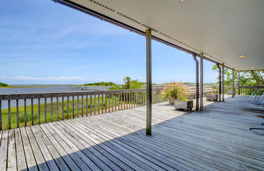 5550 Peden Point Rd Wilmington-large-028-031-Covered Porch Rear View-1497×1000-72dpi