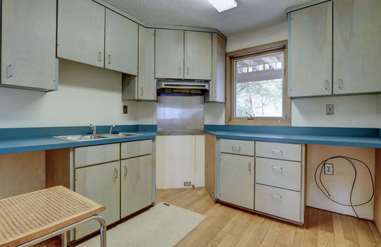 5550 Peden Point Rd Wilmington-large-038-049-Studio Apartment Kitchen-1497×1000-72dpi