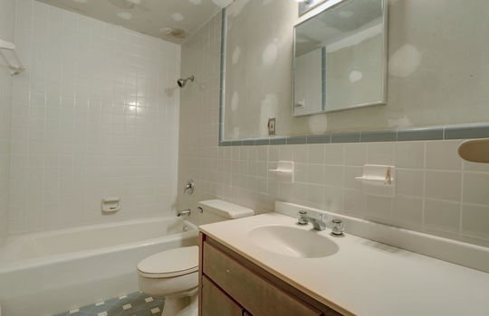 5550 Peden Point Rd Wilmington-large-041-034-Studio Apartment Bathroom-1498×1000-72dpi