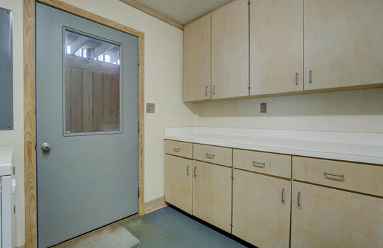 5550 Peden Point Rd Wilmington-large-044-044-Laundry Room-1498×1000-72dpi