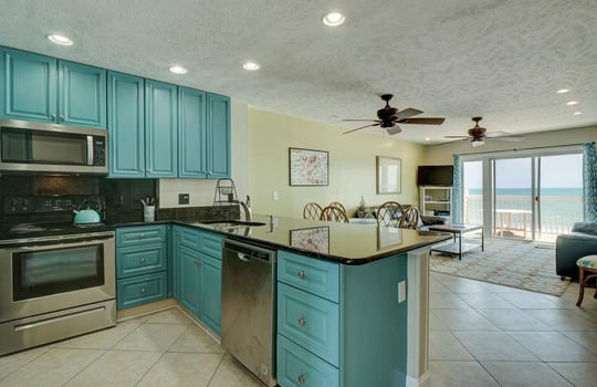 1100 Fort Fisher Blvd N 1403-large-007-015-Kitchen-1496×1000-72dpi
