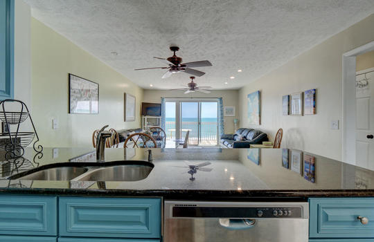 1100 Fort Fisher Blvd N 1403-large-010-012-Kitchen-1497×1000-72dpi