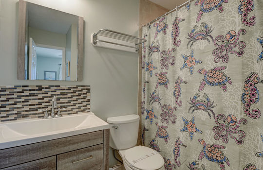 1100 Fort Fisher Blvd N 1403-large-018-021-Master Bathroom-1497×1000-72dpi
