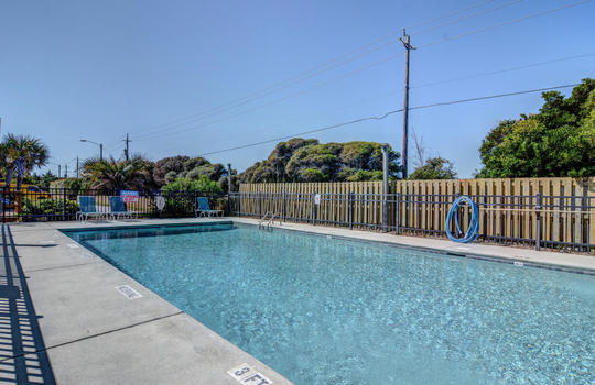 1100 Fort Fisher Blvd N 1403-large-040-049-Community Pool-1499×1000-72dpi