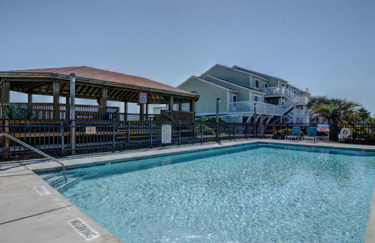 1100 Fort Fisher Blvd N 1403-large-041-047-Community Pool-1473×1000-72dpi