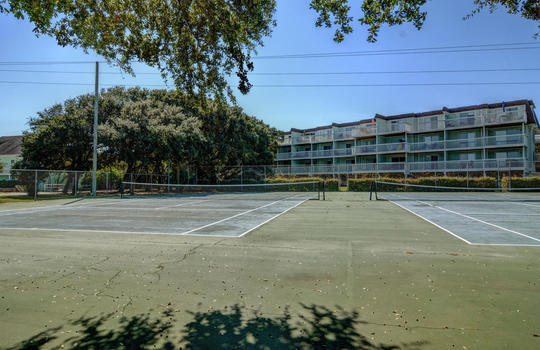 1100 Fort Fisher Blvd N 1403-large-042-052-Community Tennis Courts-1499×1000-72dpi
