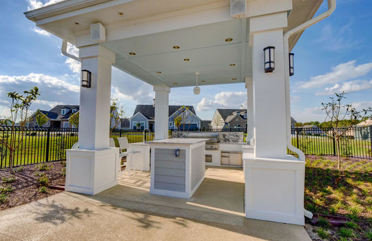 Del Webb at RiverLights Clubhouse Outdoor Kitchen