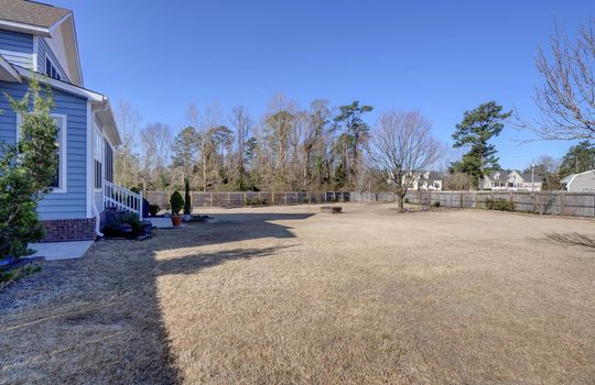 107 Raven Dr, Rocky Point, NC 28457 in Avendale
