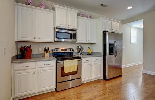 3729 Willowick Park Dr-large-007-009-Kitchen-1497×1000-72dpi