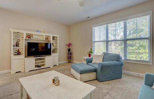 3729 Willowick Park Dr-large-013-014-Living Room-1497×1000-72dpi