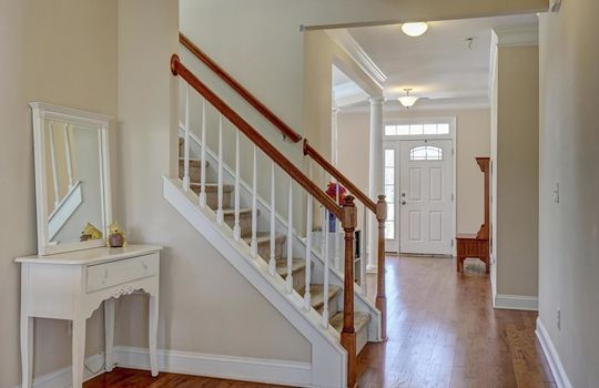 3729 Willowick Park Dr-large-014-011-Staircase-1497×1000-72dpi