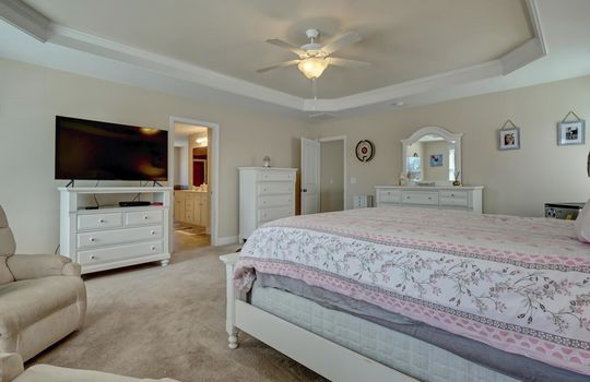 3729 Willowick Park Dr-large-019-024-Master Bedroom-1497×1000-72dpi