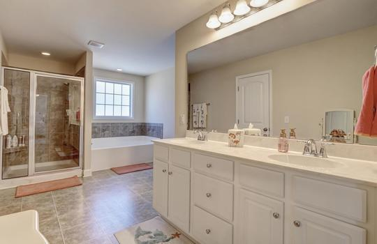 3729 Willowick Park Dr-large-020-023-Master Bathroom-1497×1000-72dpi