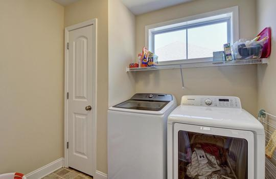 3729 Willowick Park Dr-large-027-021-Laundry Room-1497×1000-72dpi