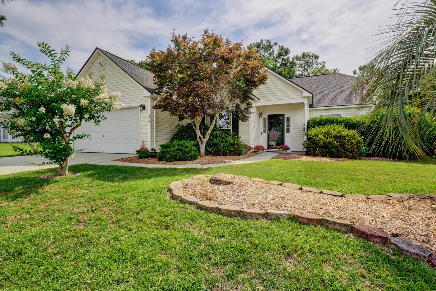 676 Hickory Branches Dr, Belville, NC 28451