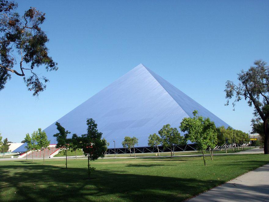 Walter_Pyramid