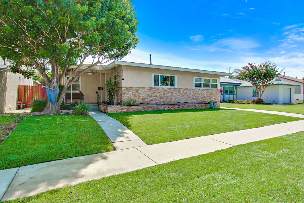2846 Ladoga Ave, Long Beach CA