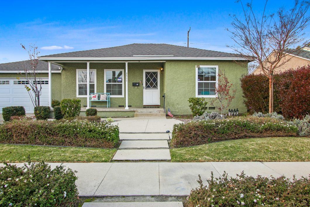 2411 Granada Ave., Long Beach CA 90815