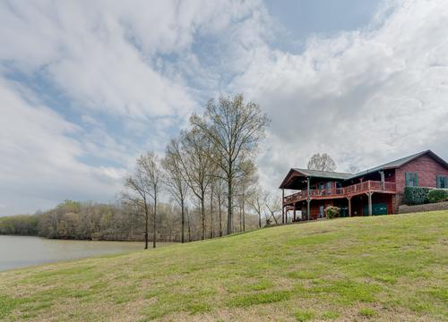 Clarksville Waterfront Properties