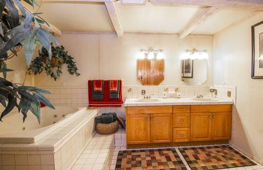 WEB_Downstairs Bath 1_1