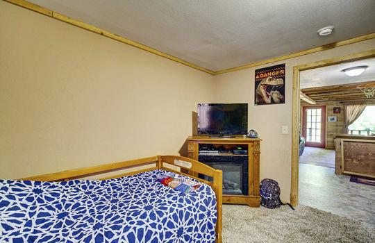 WEB_LQ_Cabin1_Bedroom1_2
