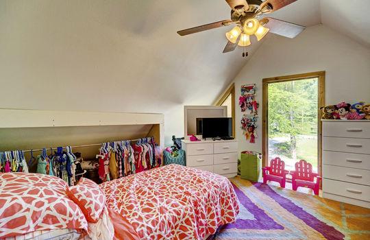 WEB_LQ_Cabin1_Bedroom2_1