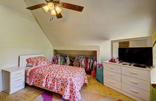 WEB_LQ_Cabin1_Bedroom2_2