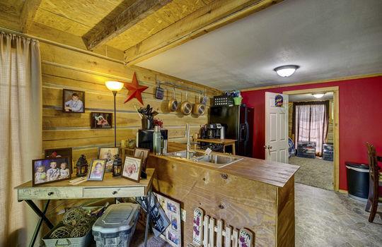WEB_LQ_Cabin1_Kitchen1