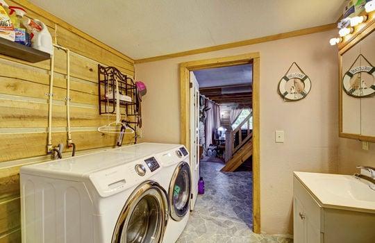 WEB_LQ_Cabin1_Laundry