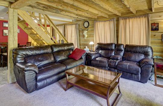 WEB_LQ_Cabin1_Livingroom1
