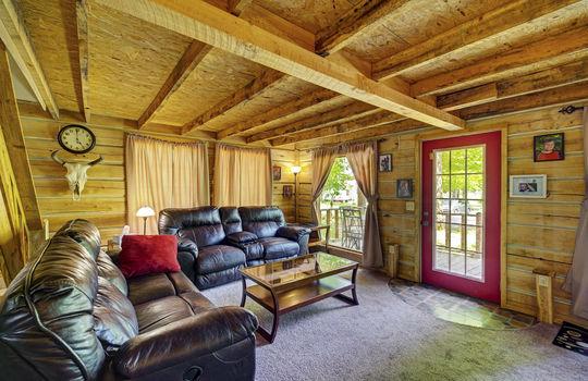 WEB_LQ_Cabin1_Livingroom2