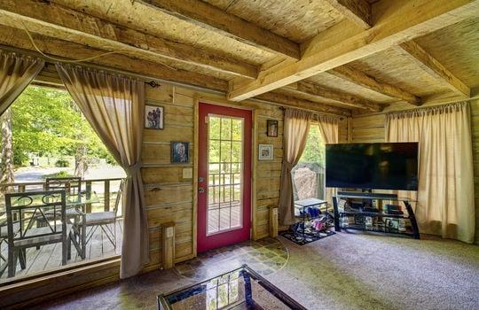 WEB_LQ_Cabin1_Livingroom3