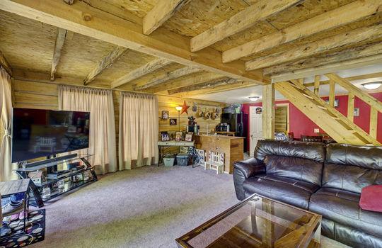 WEB_LQ_Cabin1_Livingroom4
