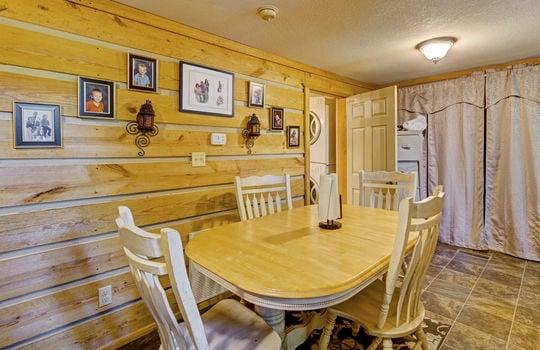 WEB_LQ_Cabin2_Dinning1