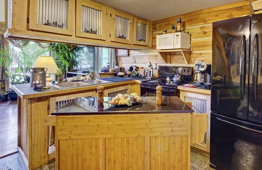 WEB_LQ_Cabin2_Kitchen2